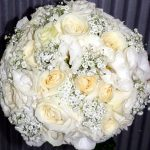 lsianthus-roses-and-gypsophlia